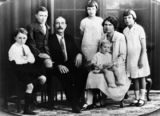 Picture relating to Townsville - titled 'McNamara family, Townsville, 1927'