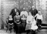 Picture relating to Nikenbah - titled 'Deutschmann Family from Nikenbah, near Pialba, Queensland'