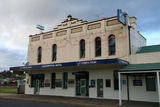 Picture relating to Junee - titled 'Locomotive Hotel at Junee'