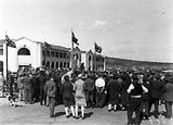 Picture relating to Bruce - titled 'Formal opening of Civic Centre by Prime Minister S M Bruce. Part of the crowd in front of the Sydney Building.'