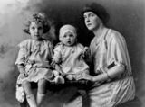 Picture relating to Maryborough - titled 'Florence Haddow (nee Lane) with her daughters Myrtle and Mavis, Maryborough, 1924'