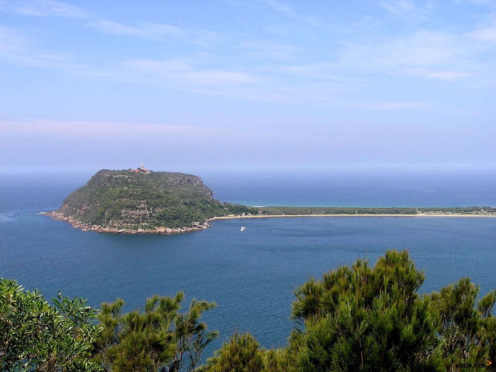 Picture of / about 'Barrenjoey Head' New South Wales - Barrenjoey Head 1