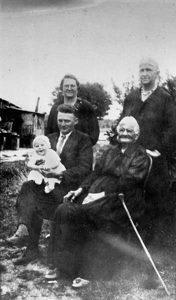 Picture of / about 'Taroom' Queensland - Five generations of the Conclarris family from the Taroom area in Queensland