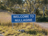 Picture relating to Nullagine - titled 'Nullagine welcome.'