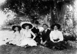 Picture of / about 'Brisbane' Queensland - Relaxing in the City Botanic Gardens, Brisbane, ca. 1911