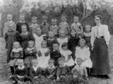 Picture relating to Linthorpe - titled 'Class photo, Linthorpe School, Queensland'